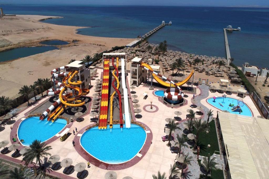 Nubia Aqua Beach Resort8
