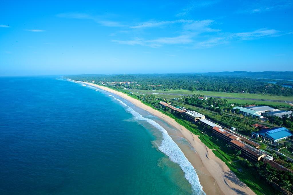 The Long Beach Resort Sri Lanka